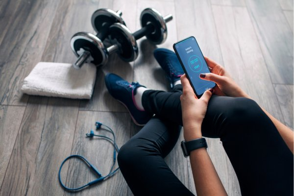 5 Amazing Health and Fitness Apps to Help You Start Your New Year's Resolutions